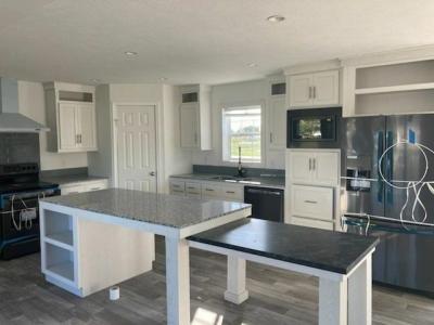 Mobile Home at 6101 Lakeview North Lot Ln6101 Saginaw, MI 48603