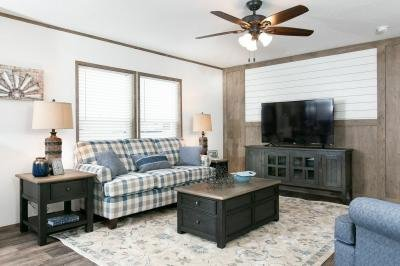 Mobile Home at 1001 Monroe Avenue Lot H1001 Grand Forks, ND 58201