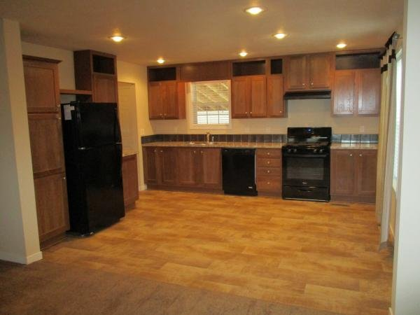 2015 CMH MANUFACTURING INC Mobile Home For Sale