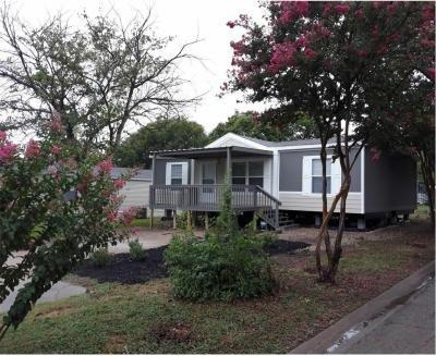 Mobile Home at 1909 Dogwood St. Glenn Heights, TX 75154