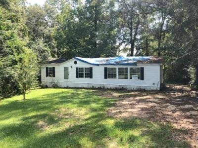 Mobile Home at 194 Big V Rd N Mount Olive, MS 39119