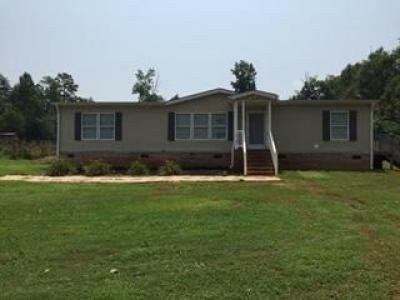 Mobile Home at 135 Stewart Rd Six Mile, SC 29682