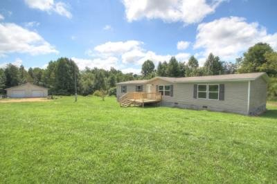 Mobile Home at 5301 E Highway 328 Eubank, KY 42567