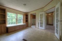 Photo 4 of 24 of home located at 211 Hilltop Rd East Bernstadt, KY 40729