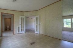 Photo 5 of 24 of home located at 211 Hilltop Rd East Bernstadt, KY 40729