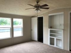 Photo 5 of 11 of home located at 8336 Oak Ridge Hwy H5 Knoxville, TN 37931
