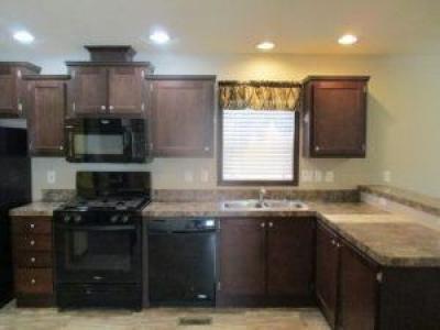 Mobile Home at 4144 Trumpwood Burton, MI 48519