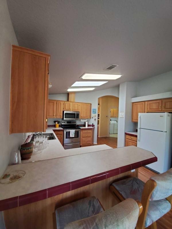 2000 CAVCO Mobile Home For Sale