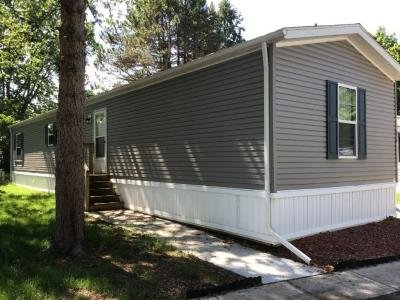 Mobile Home at 376 East Woodside Holland, OH 43528