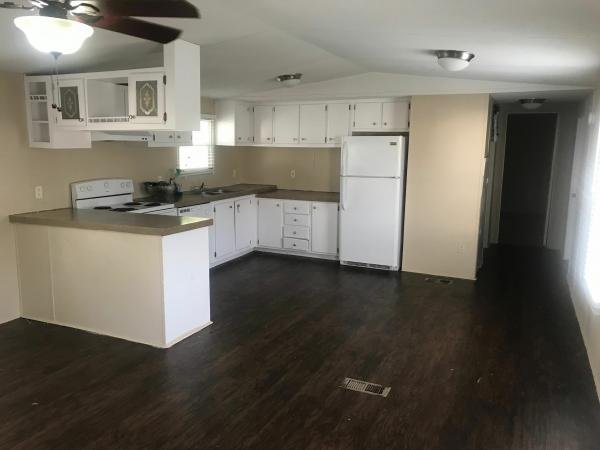 1998 CMH MANUFACTURING INC Mobile Home For Sale
