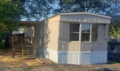 Mobile Home at 92 East Low View Fenton, MO 63026
