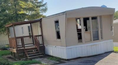 Mobile Home at 856 High View Dr Fenton, MO 63026