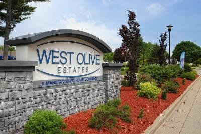 Mobile Home at 14546 Shady Hollow Lot 162 West Olive, MI 49460
