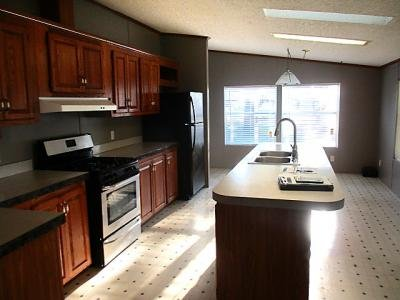 Mobile Home at 908 Moss Ave. Lot 54 Union City, IN 47390