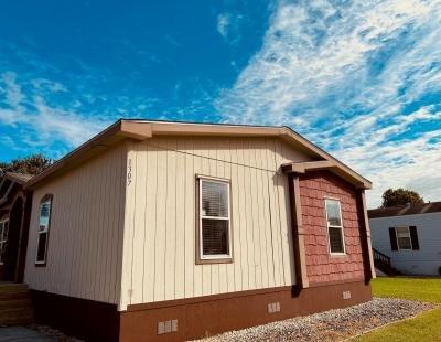 Mobile Home at 1307 Sugarbun Way Houston, TX 77073