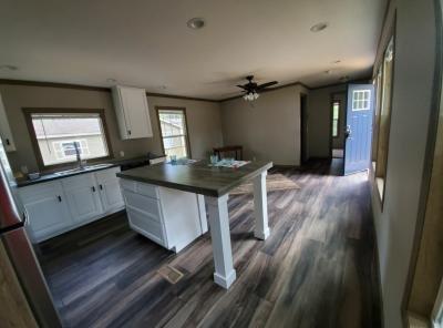 Mobile Home at 1210 Cresthill Huntsville, TX 77340