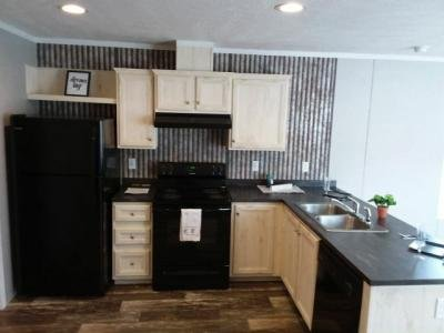 Mobile Home at 1044 Dogwood St Laurys Station, PA 18059