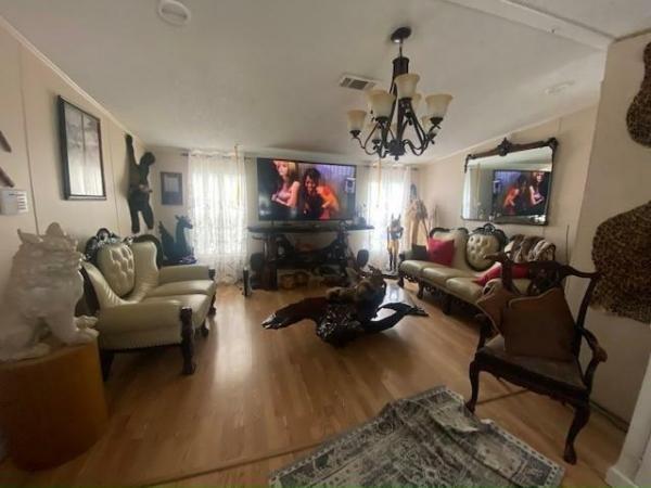 2000 MERI Mobile Home For Sale