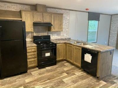 Mobile Home at 1019 Cedar St Laurys Station, PA 18059