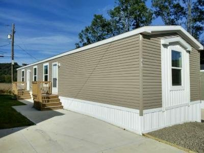 Mobile Home at 1013 Dogwood St Laurys Station, PA 18059