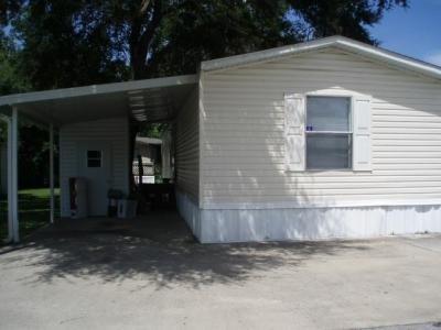 Mobile Home at 422 Parkwood Estates Dr Lot 170 Plant City, FL 33566