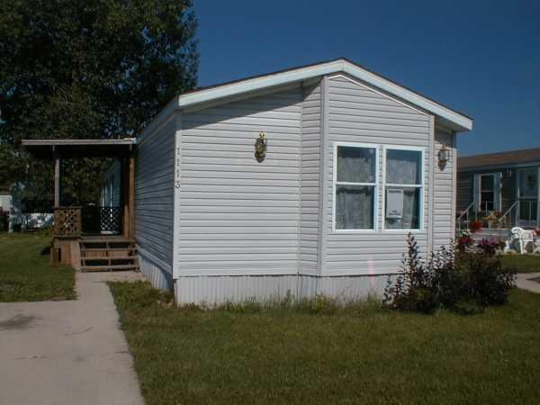 14 X80 Mobile Home http://www.senior-retirement-living.com/ManufacturedHomeForSale.php?Listing=351617