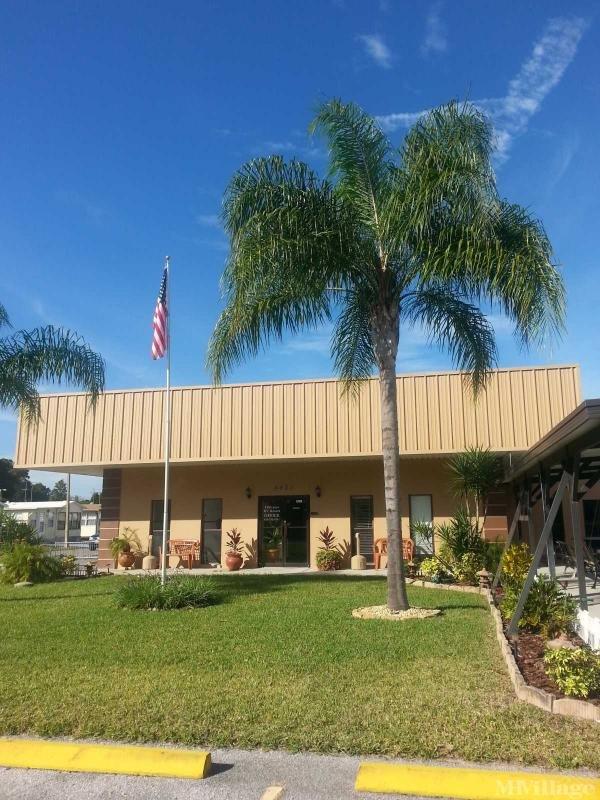 Hillcrest RV Resort Mobile Home Park in Zephyrhills, FL