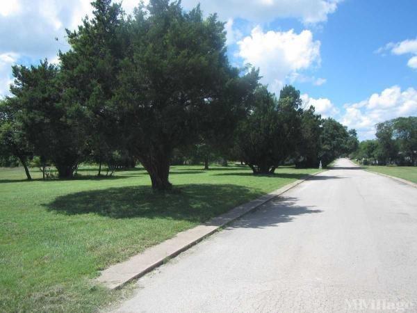 Forest Oaks Village Mobile Home Park in Austin, TX
