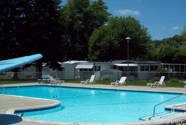 Windsor Estates Mobile Home Park in Dimondale, MI