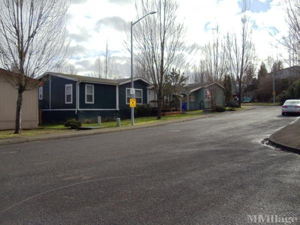 Silent Creek Mobile Home Park in Fairview, OR