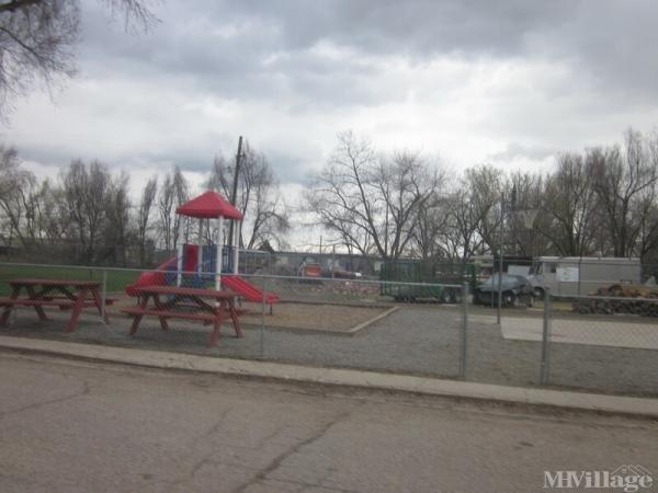 Saint Vrain Village Mobile Home Park in Longmont, CO
