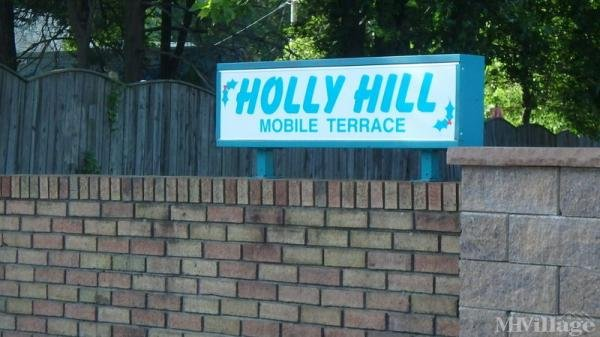 Holly Hill Mobile Terrace Mobile Home Park in Keansburg, NJ