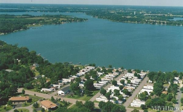 Lakeshore Terrace Manufactured Home Community Mobile Home Park in Lindstrom, MN