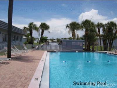 Mobile Home Park in Apollo Beach FL