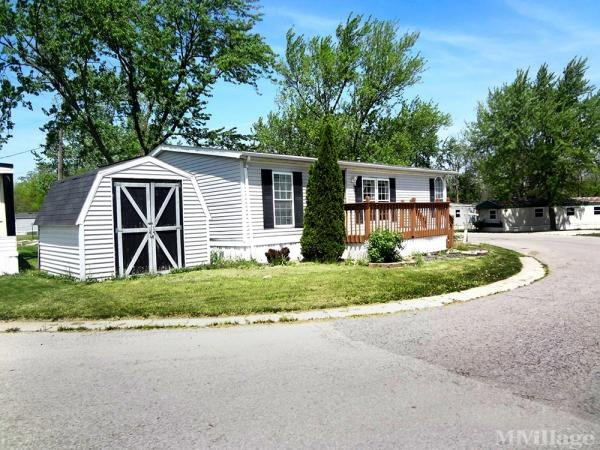 Rolling Hills Community, Llc Mobile Home Park in Defiance, OH