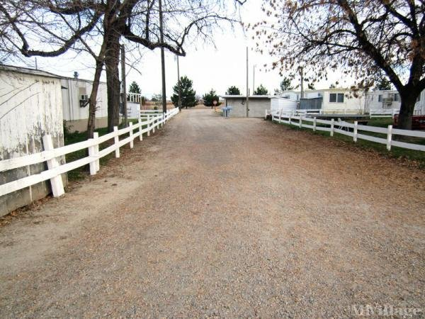 Country Style Mhp Mobile Home Park In Nampa Id Mhvillage