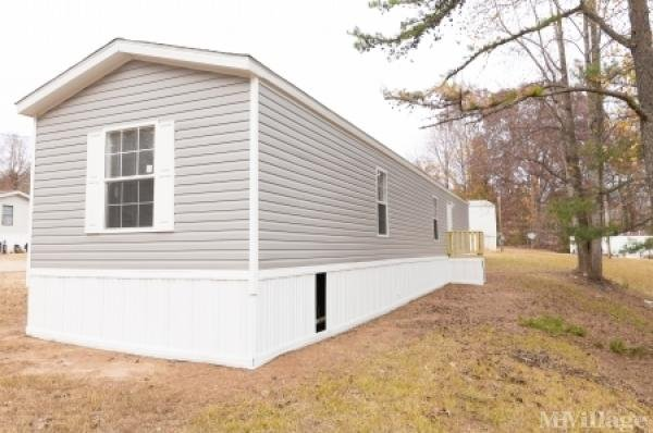 Russell Village MHC Mobile Home Park in Winder, GA