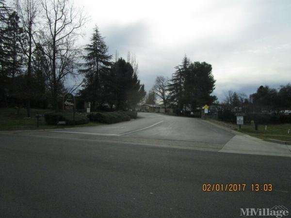 Photo of Lake Oaks Mobile Home Community, Diamond Springs, CA