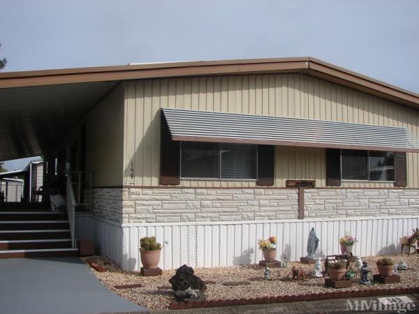 Photo of Fairway Oaks Mobile Home Park, Redding, CA