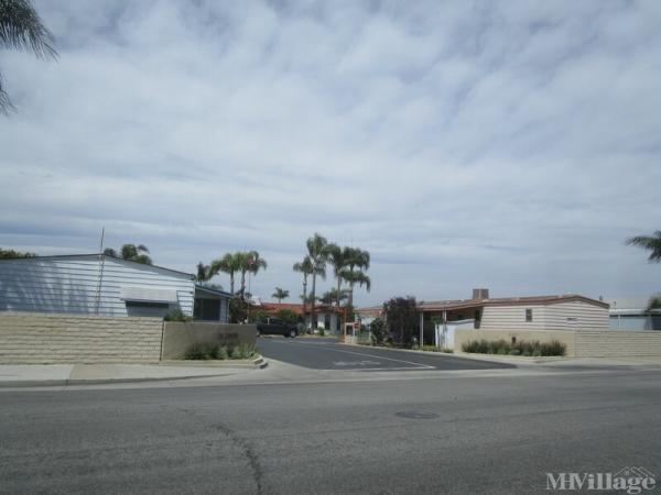 Photo of La Lampara Mobile Home Club, Stanton, CA