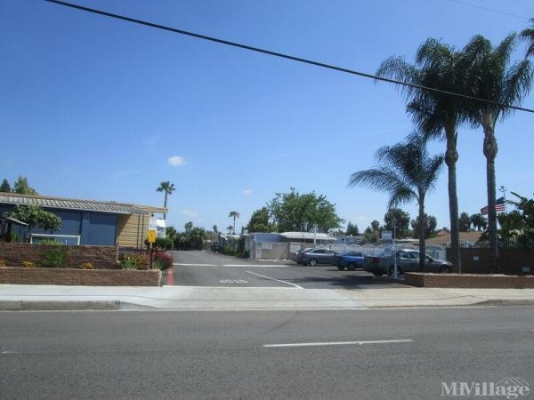 Photo of Valley Parkway Mobile Home Park, Escondido, CA