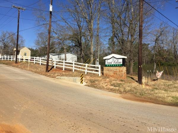 Forest Hollow Estates Mobile Home Park in Whitehouse, TX