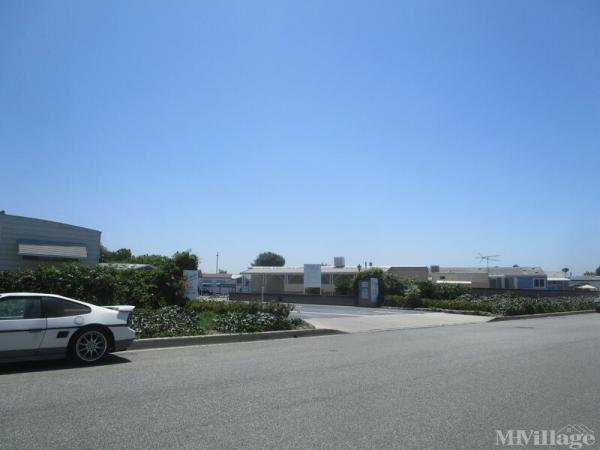 Photo of Los Amigos Mobile Estates, Lakewood, CA