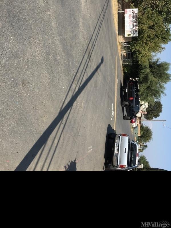 Photo of Lathrop Sands MHP, Lathrop, CA