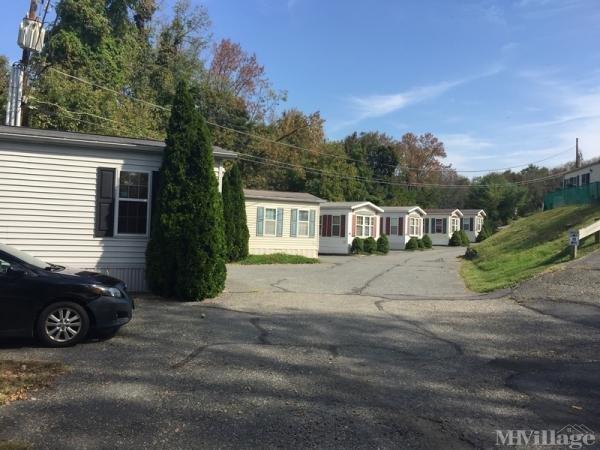 Camelot at Spruce Ridge Mobile Home Park in Glen Gardner, NJ