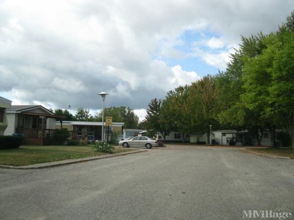 Meadowview Village Mobile Home Park in Fremont, MI