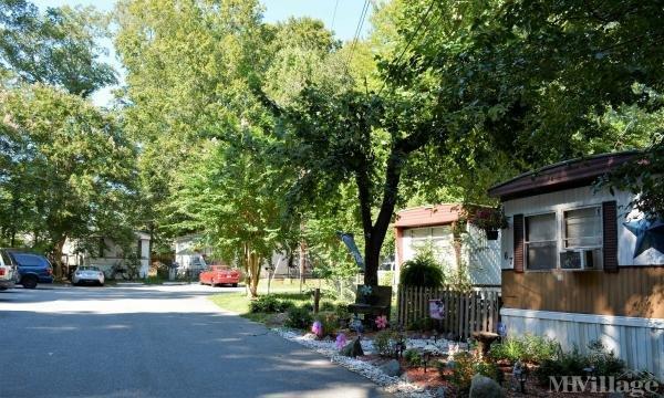 Photo of Heritage Mobile Home Village, Williamsburg, VA