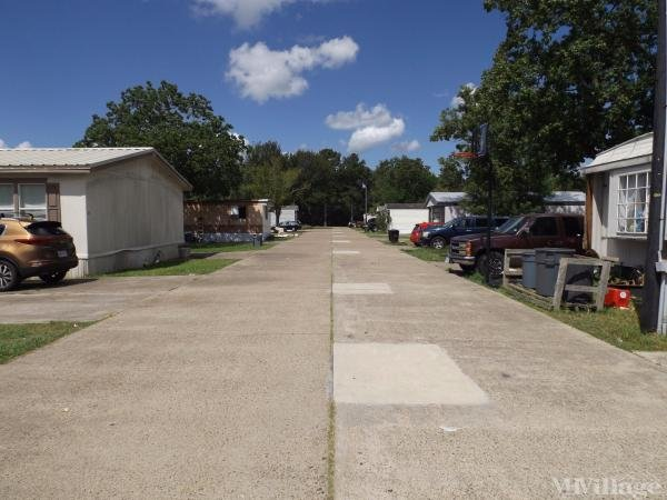 Photo of Highland Village Mobile Home Park, Hitchcock, TX