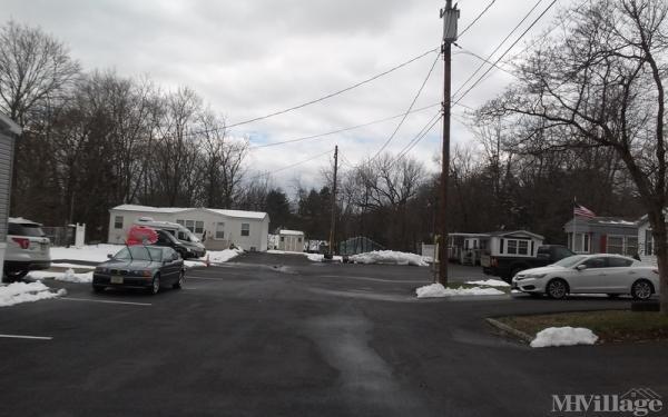 White Birch Park Mobile Home Park in Hampton, NJ