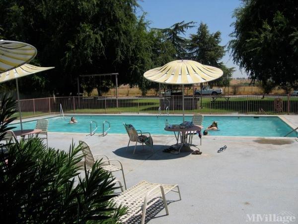 Photo of Woodward Bluffs Mobile Home Estates, Fresno, CA